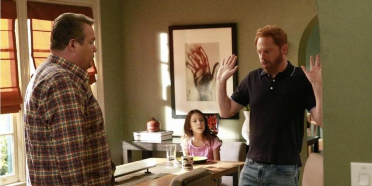 Modern Family: 10 Things That Make No Sense About Cam