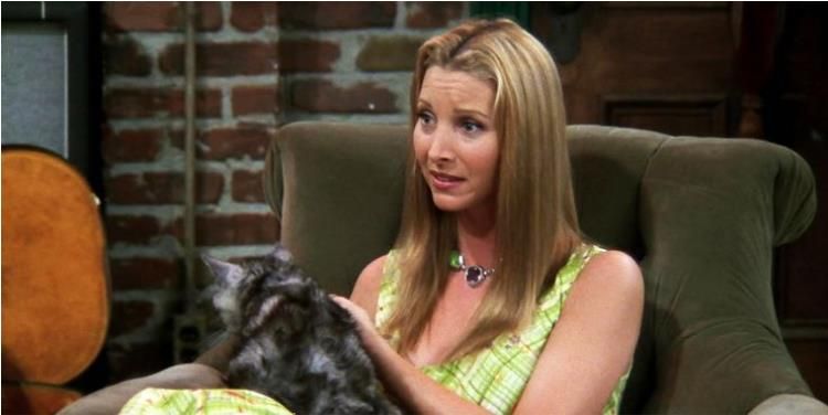 Friends: 10 Times Phoebe Was A Hypocrite